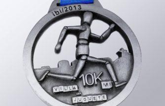 Las empresa Todo  Trofeo diseña y fabrica la medalla para la competición 10Km Villa del Juguete.