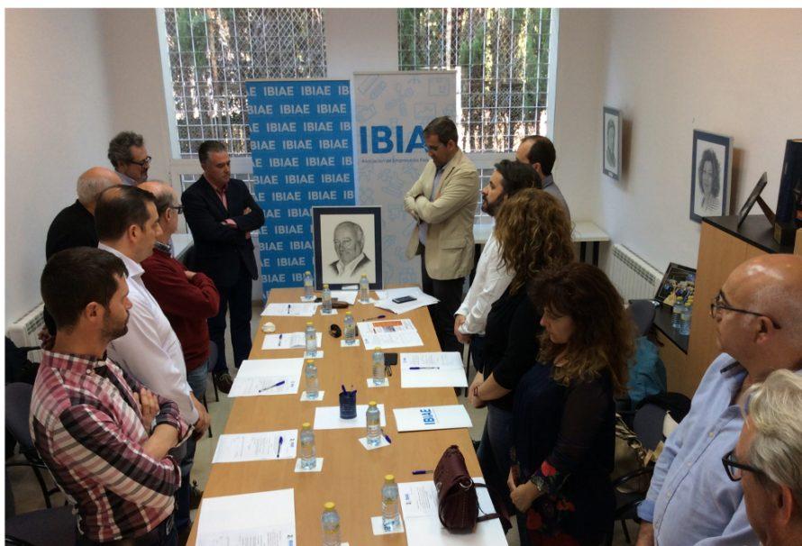 La Junta Directiva de IBIAE guarda un minuto de silencio en homenaje a Fernando Casado