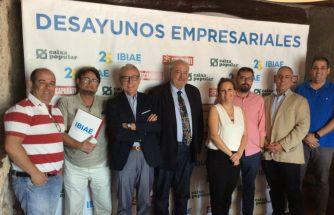 Un panel de expertos debate sobre el desarrollo urbanístico industrial de la Foia