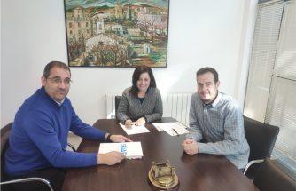 IBIAE se reúne con la alcaldesa y el edil de Industria de Onil