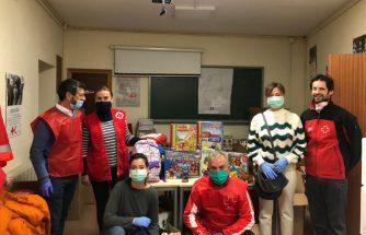 INDEN PHARMA colabora con Cruz Roja para entregar material escolar y juegos a niños de familias desfavorecidas
