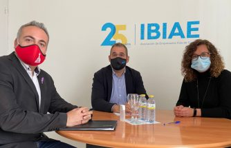 Reunión entre IBIAE y PSOE Ibi para hablar sobre el incremento del precio de las materias primas