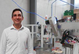 THE DOLL FACTORY adquiere las primeras máquinas de tecnología japonesa en Europa que cosen pelo a muñecas de forma automática